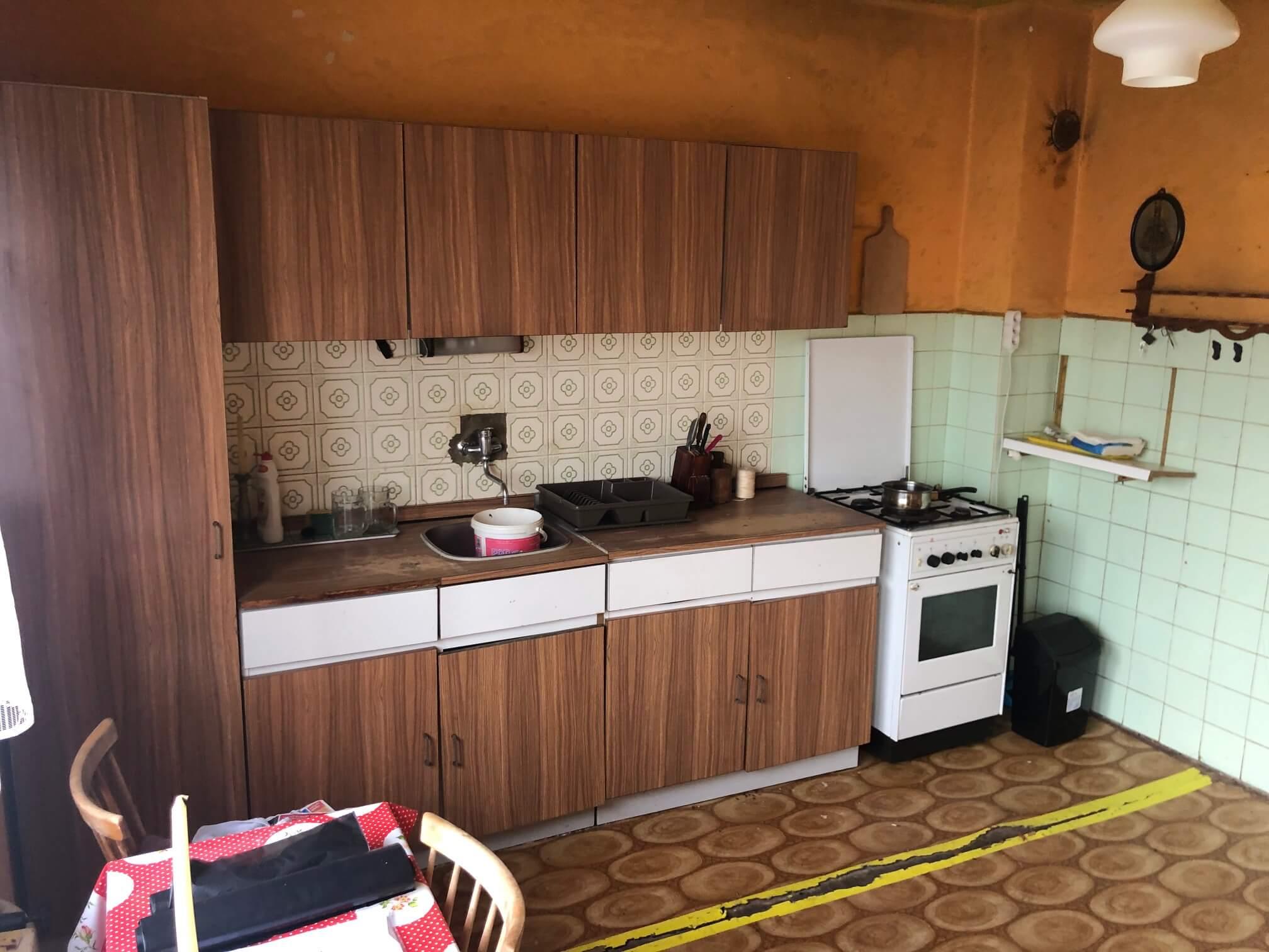 Exkluzívne: Rodinný dom, 4 izbový, Šalgočka úžitková 140m2, podpivničenie 120m2, pozemok 1500m2-10