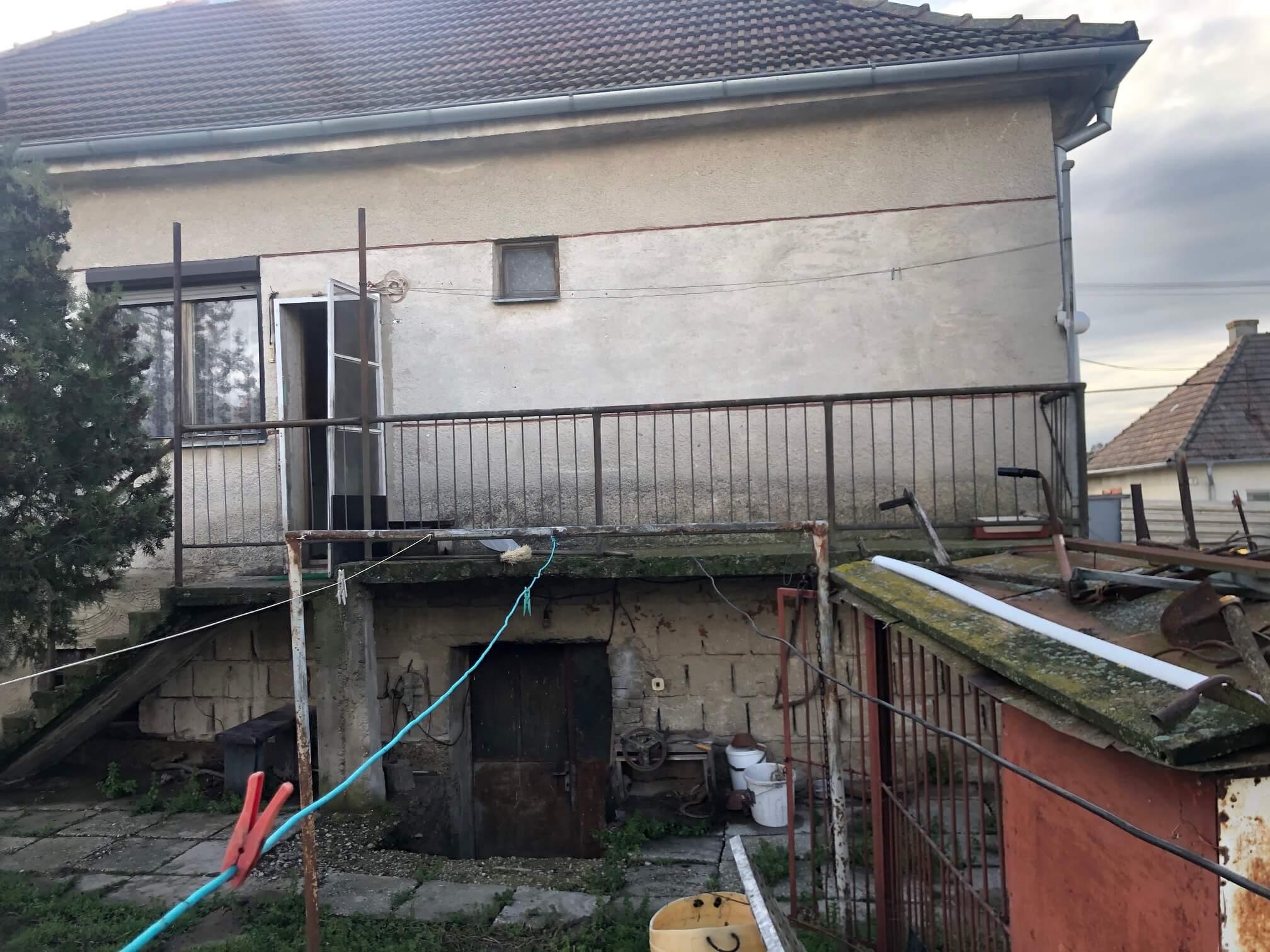 Exkluzívne: Rodinný dom, 4 izbový, Šalgočka úžitková 140m2, podpivničenie 120m2, pozemok 1500m2-18