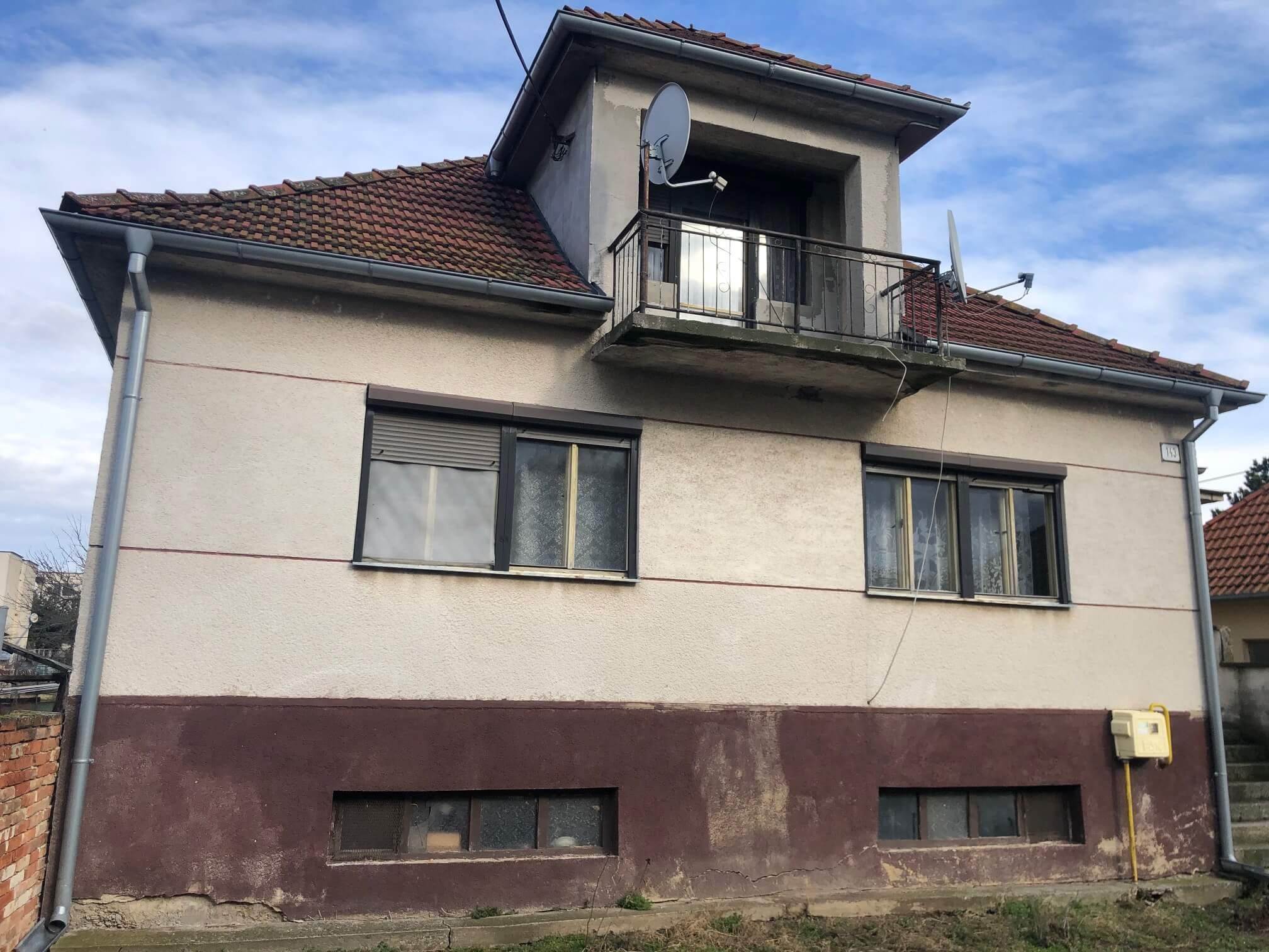 Exkluzívne: Rodinný dom, 4 izbový, Šalgočka úžitková 140m2, podpivničenie 120m2, pozemok 1500m2-0
