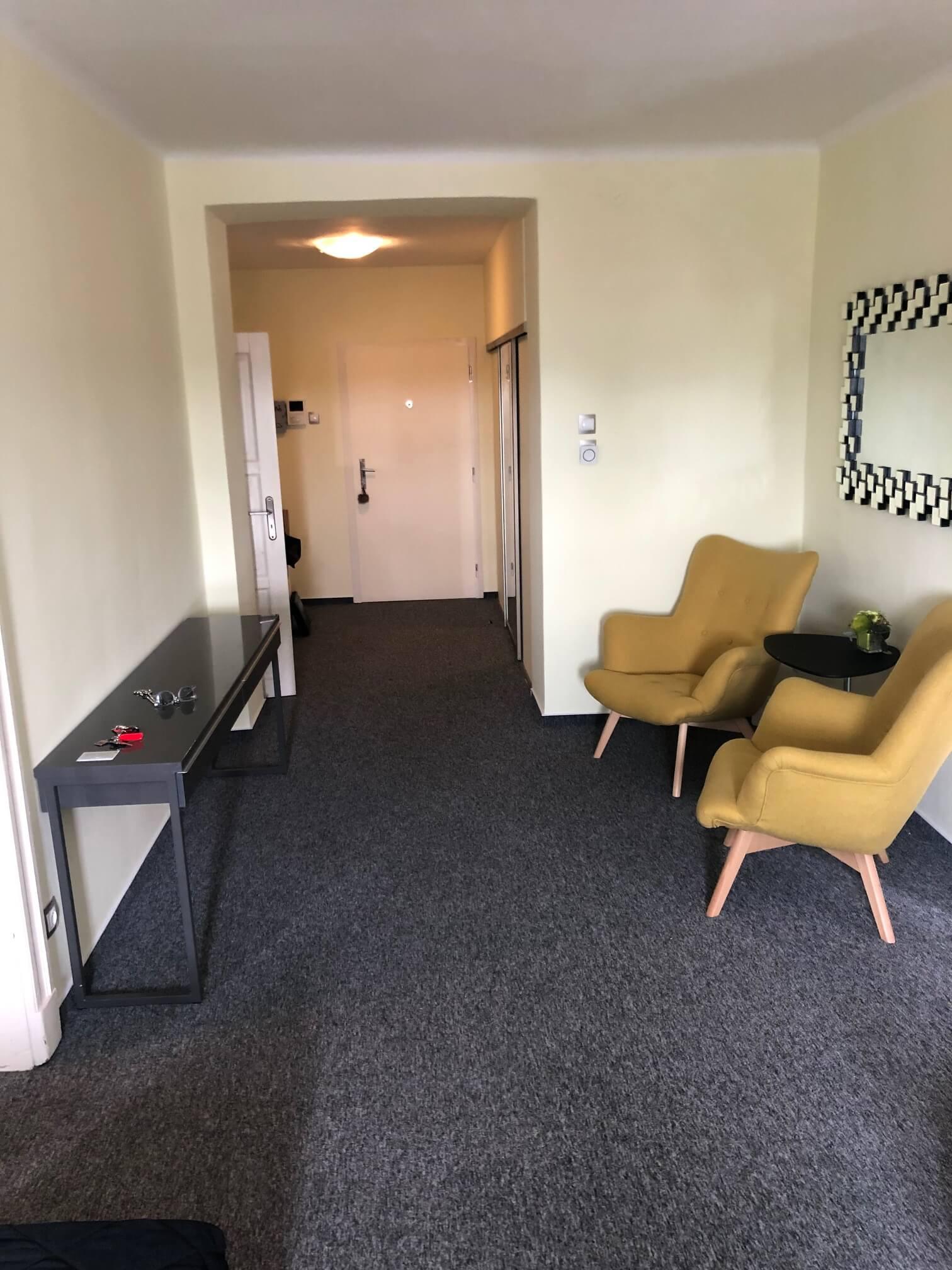 Na prenájom exkluzívne 2 izbový byt, 73,34m2, v Centre BA, Gorkeho 7, 7 poschodie-9