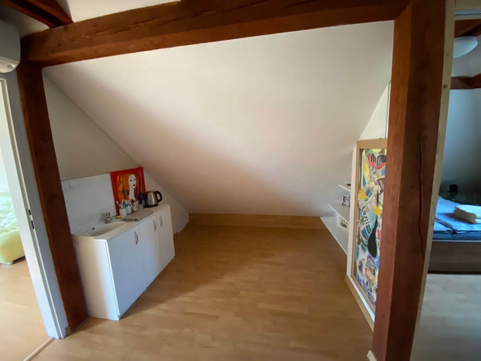 Predané: Predaj Rodinný dom v Šoporni, v tichej lokalite, pozemok 674m2, úžitková plocha 181m2,záhrada, kôlňa-14
