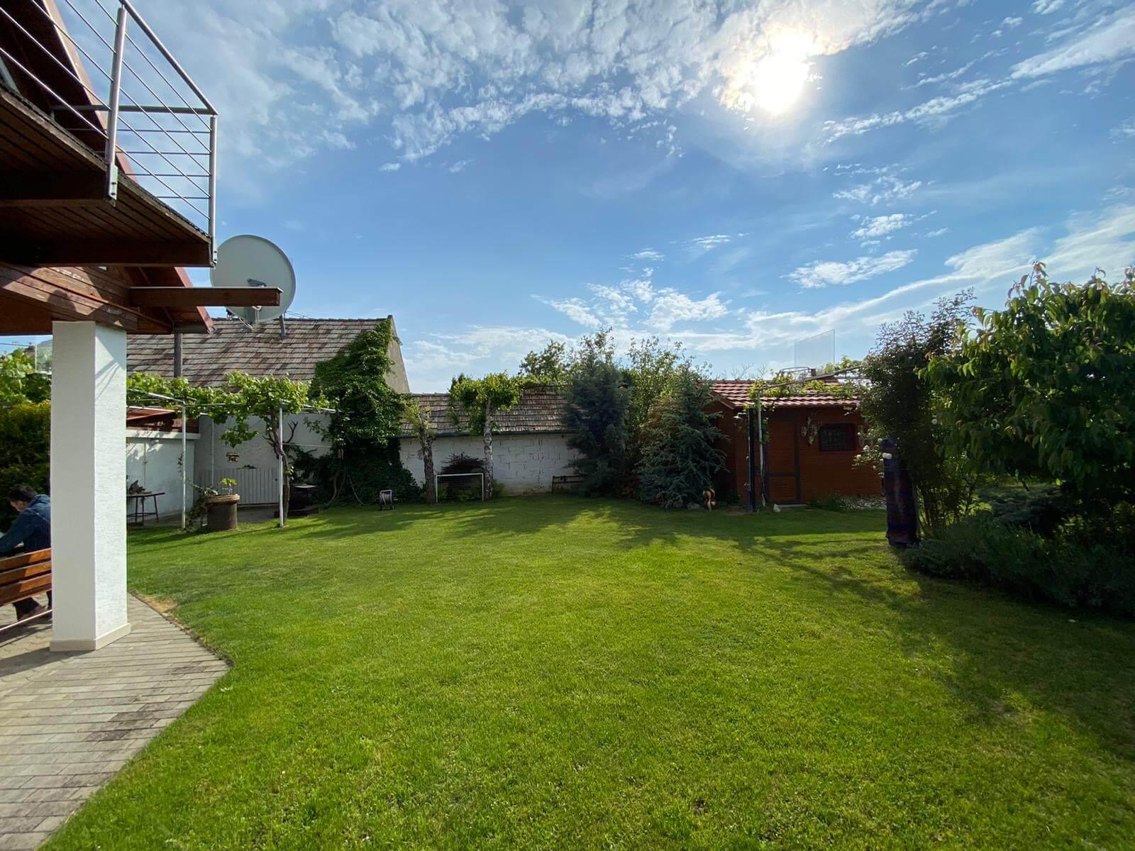 Predané: Predaj Rodinný dom v Šoporni, v tichej lokalite, pozemok 674m2, úžitková plocha 181m2,záhrada, kôlňa-3