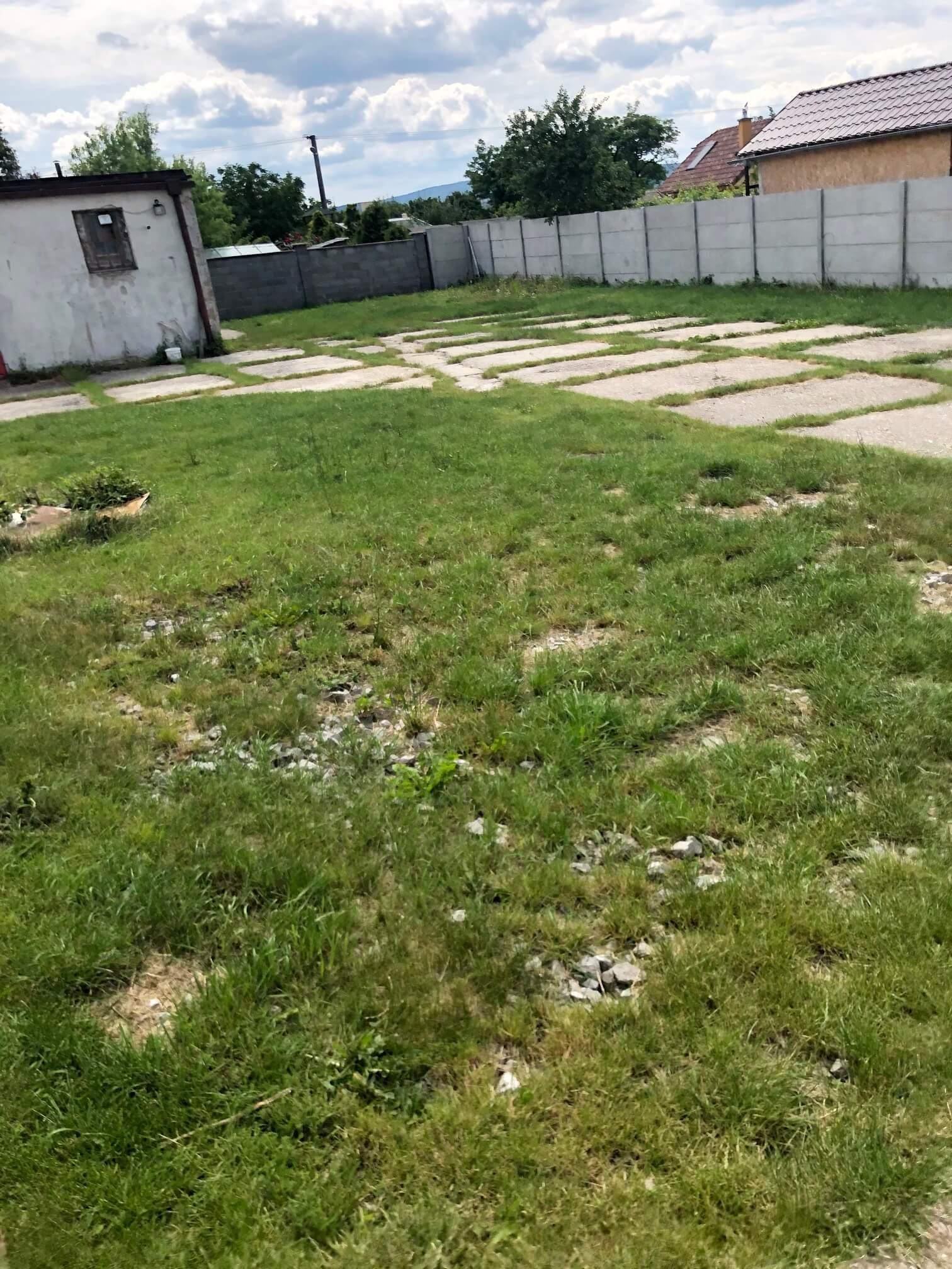 Veľkopriestorové sklady, garáže, pozemok 9000m2, sklady spolu 2045m2, Pezinská ulica Vinosady,-6