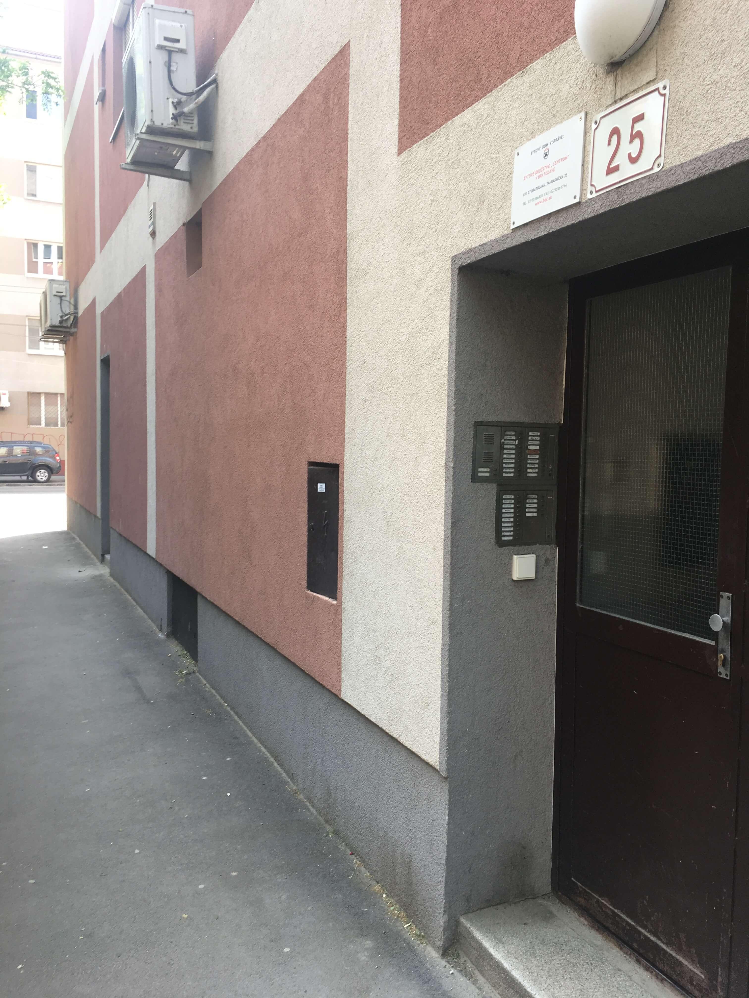 Prenajaté: Exkluzívne na prenájom 1 Izbový byt, 43 m2, pavlač 7 m2, Šancová 25, Staré mesto-10
