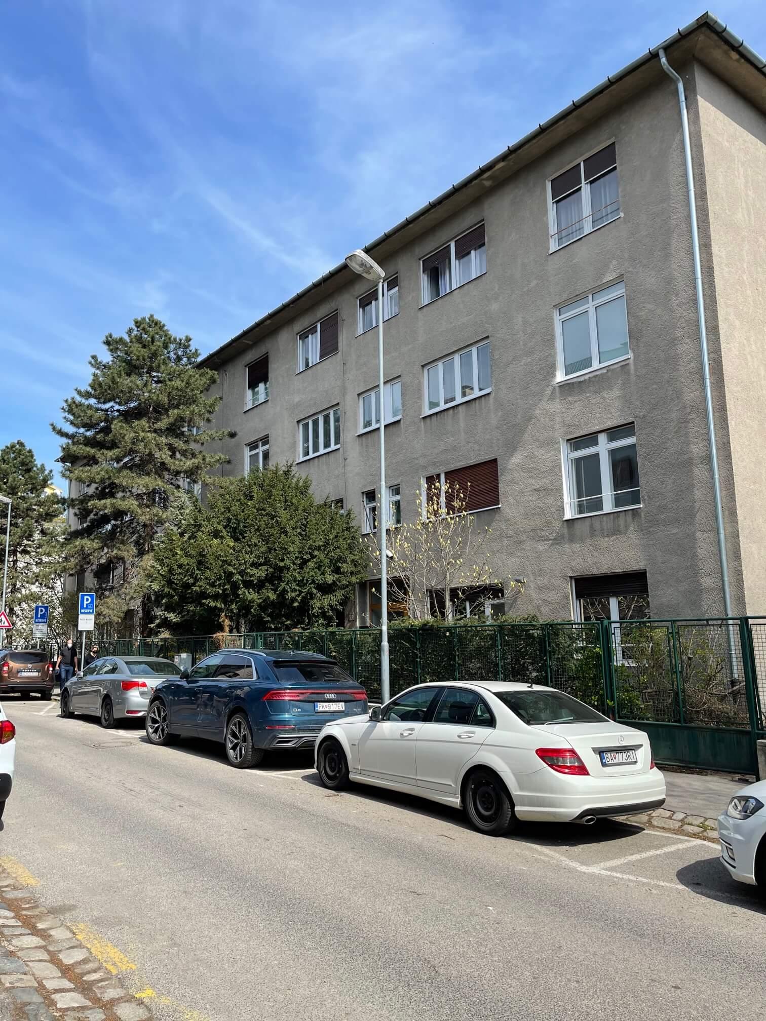 Exkluzívne na prenájom 3 izbový byt, centrum, Fraňa Krála 20, 101m2, garáž + parkovacie miesto-8