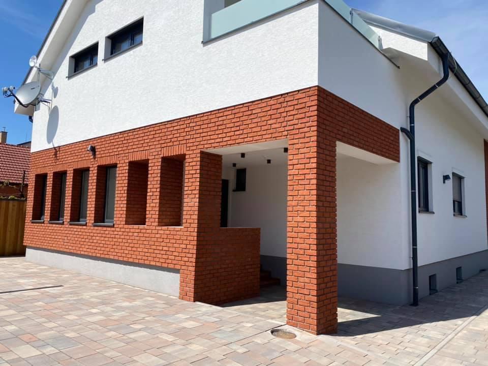 Na prenájom úplne nový 2 izbový byt v Malackách, Kukučínová,60m2, predzáhradka 18m2, 2x parkovonie-19