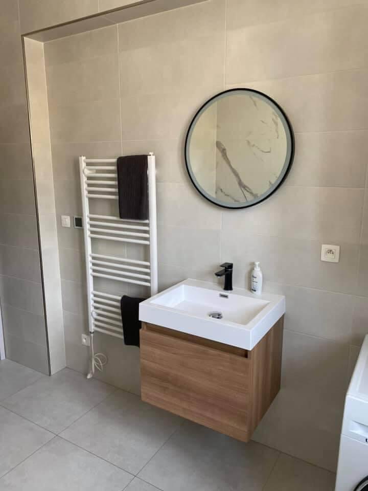 Na prenájom úplne nový 2 izbový byt v Malackách, Kukučínová,60m2, predzáhradka 18m2, 2x parkovonie-15