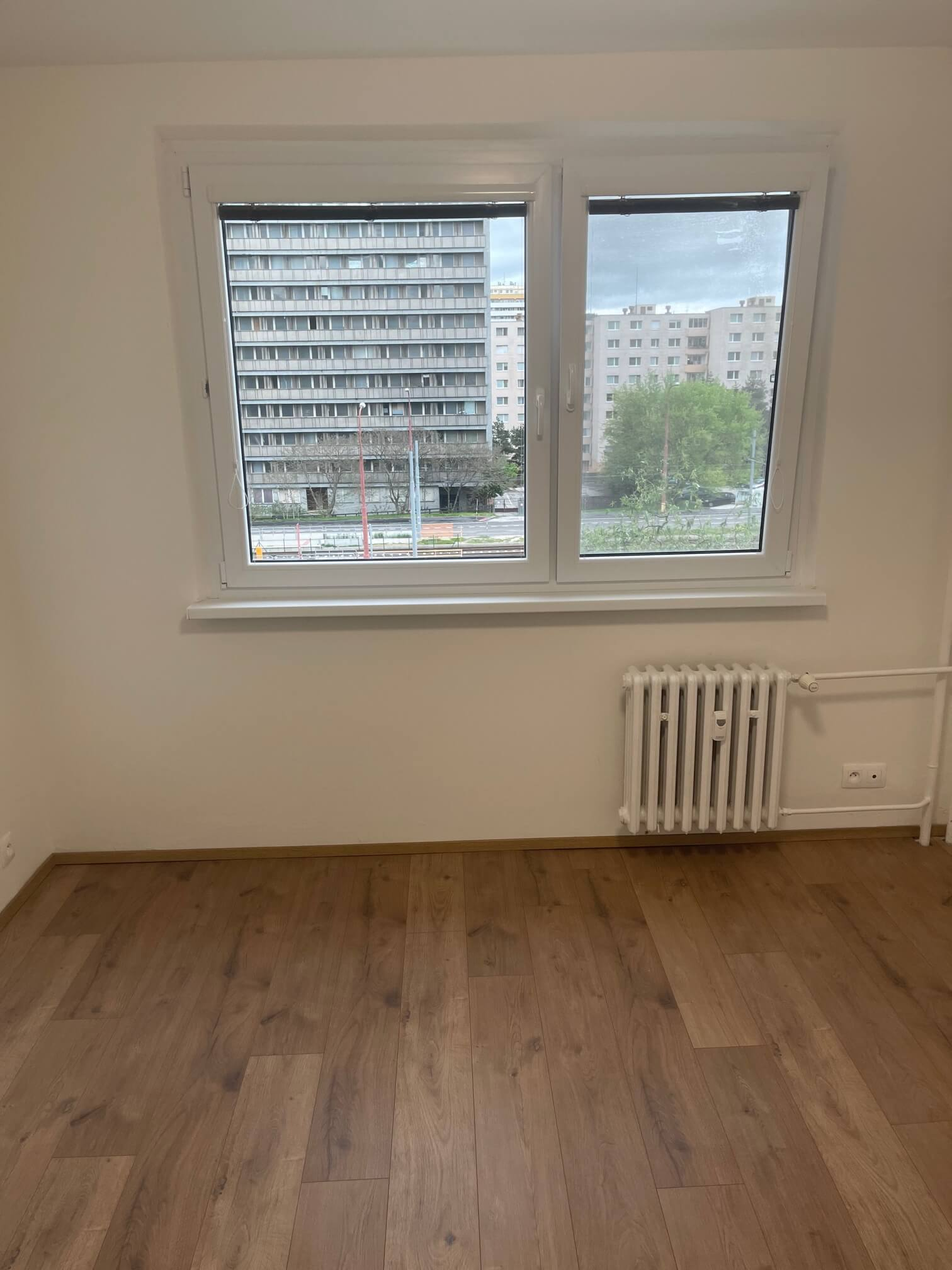 Exkluzívne na predaj zrekonštruovaný 2 izbový byt, 48m2, Fedáková 12, Dúbravka, pri OC Saratov-7