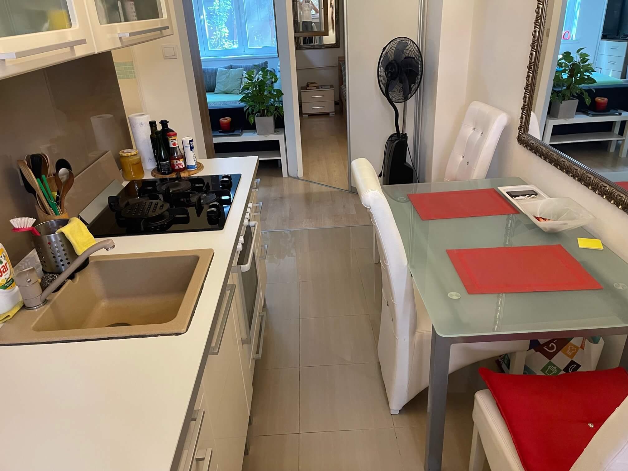 Exkluzívne na predaj 1,5 izbový byt, Šancová 55, zrekonštruovaný, 44m2, pivnica 3m2 + 5m2-5
