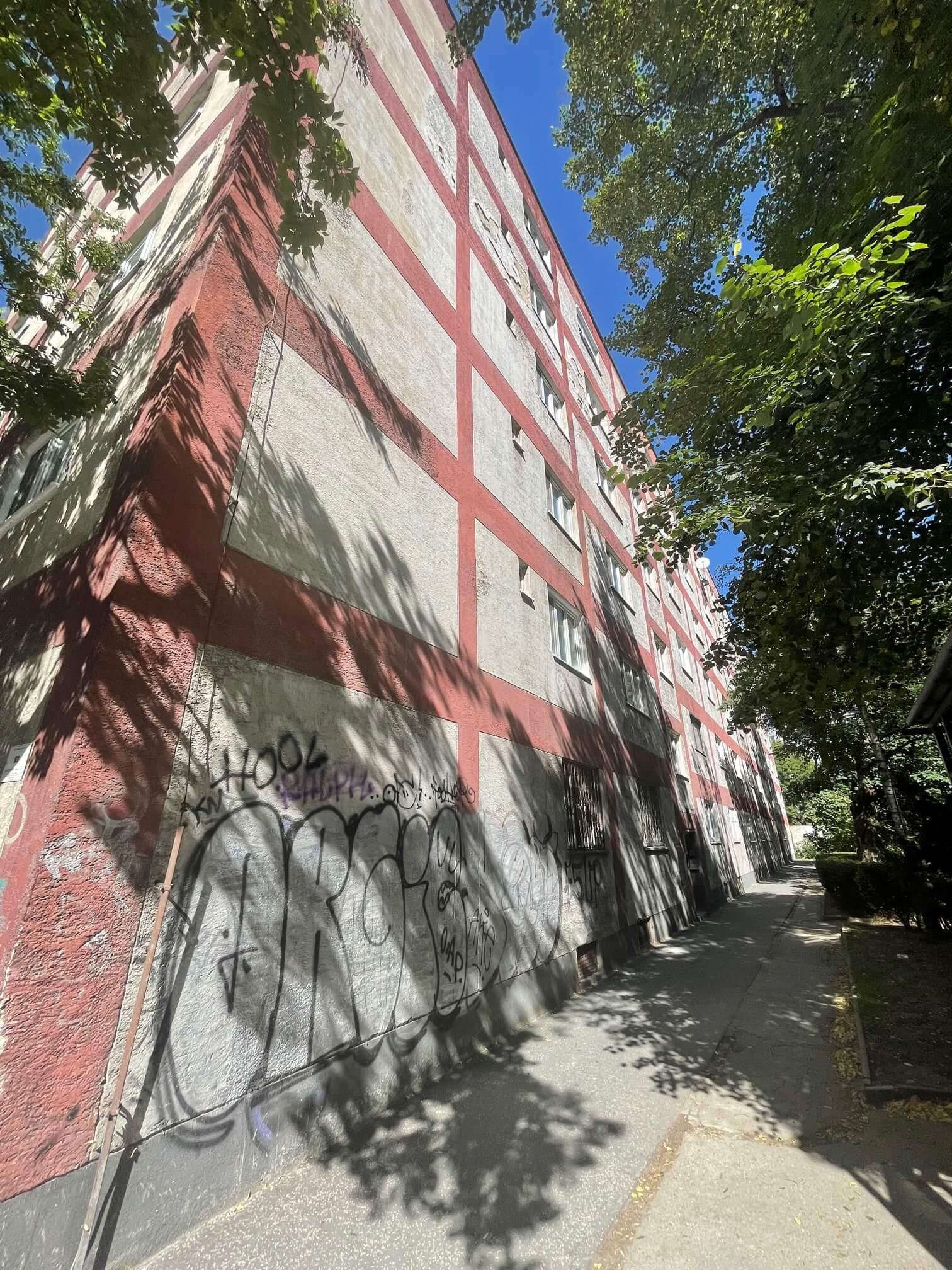 Exkluzívne na predaj 1,5 izbový byt, Šancová 55, zrekonštruovaný, 44m2, pivnica 3m2 + 5m2-7