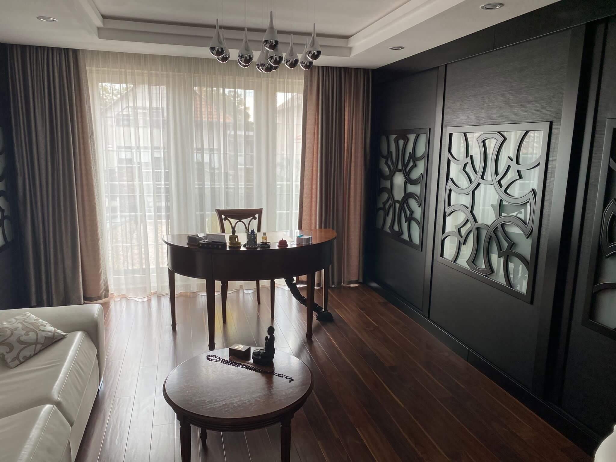 Rodinná Vila 6 izbová, úžitková 650m2, 3 podlažia, pozemok 1008m2, Lučenec – Opatová-51