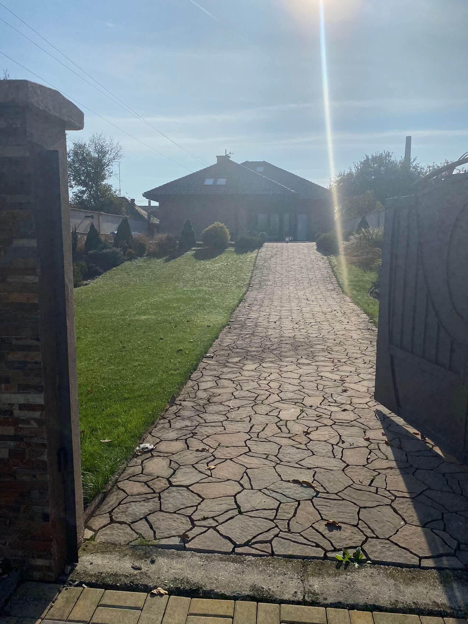 Rodinná Vila 6 izbová, úžitková 650m2, 3 podlažia, pozemok 1008m2, Lučenec – Opatová-30