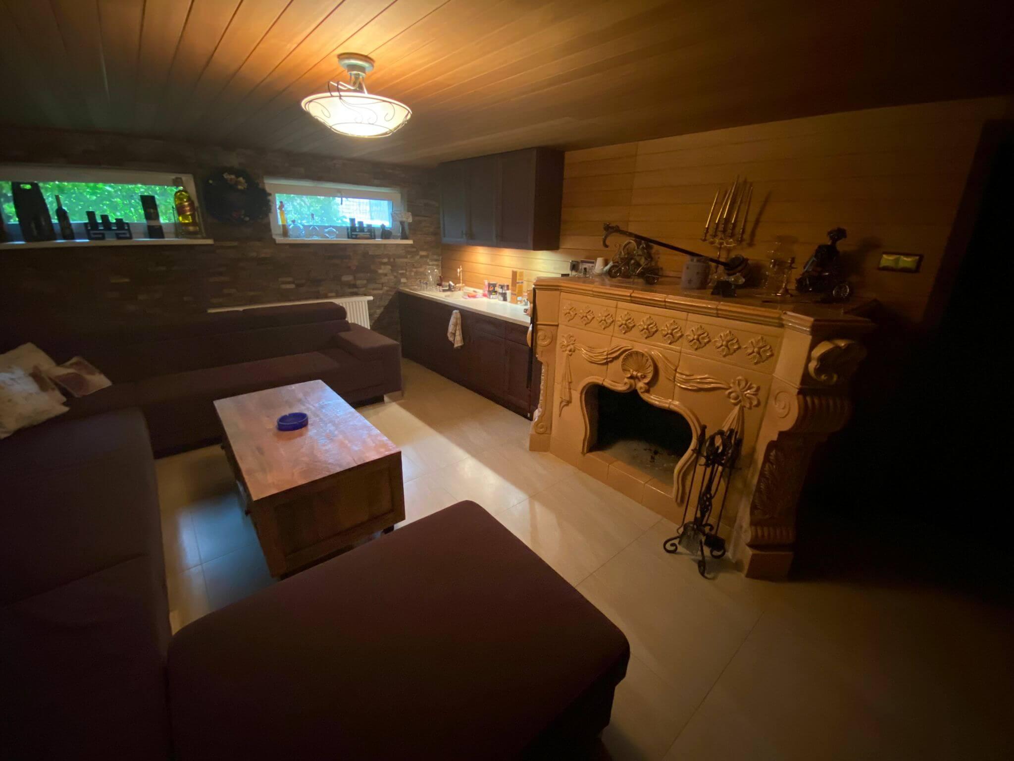 Rodinná Vila 6 izbová, úžitková 650m2, 3 podlažia, pozemok 1008m2, Lučenec – Opatová-47