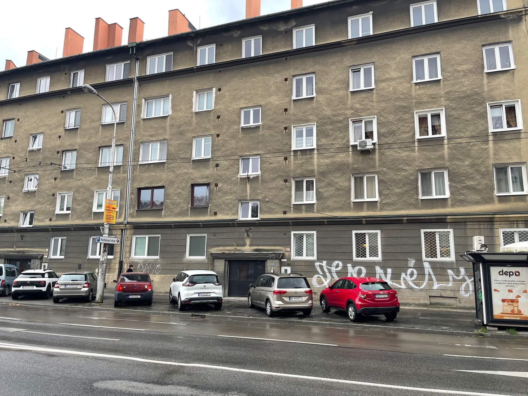 Exkluzívne na predaj 4 izbový byt, pôvodny stav, 92m2, Zahradnícka 52 – Ružinov-8