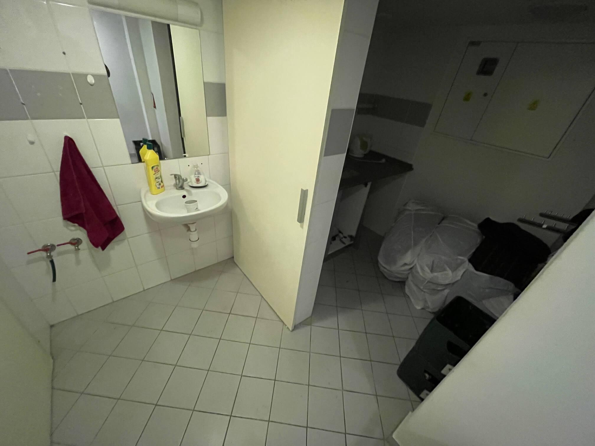 Obchodný priestor na prenájom, úžitková 42m2,  Košická 42, 2xwc, kuchynka, sklad-6