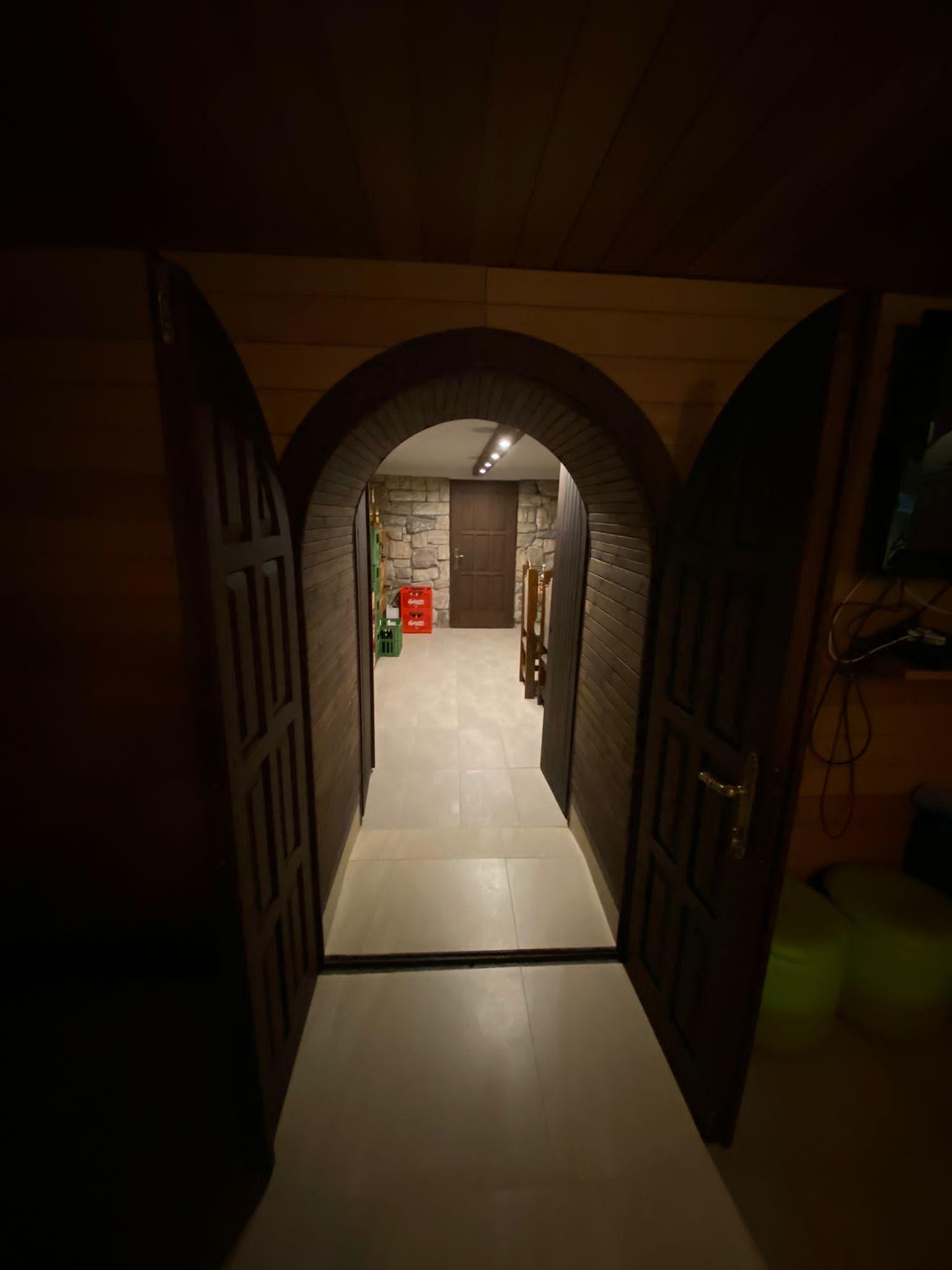 Rodinná Vila 6 izbová, úžitková 650m2, 3 podlažia, pozemok 1008m2, Lučenec – Opatová-14